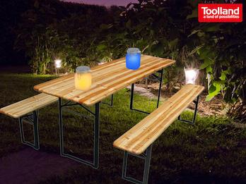 Gartenset: Bierzeltgarnitur 3-teilig aus Holz mit 2 Solar Dekoleuchten