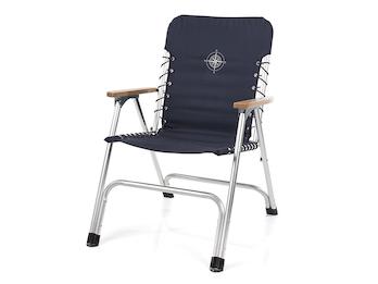 Stilvoller, faltbarer Bootsstuhl mit hölzernen Armlehnen und Elastikkordeln
