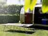 Faltbares Feldbett, ein praktisches Gästebett mit Aufbewahrungstasche