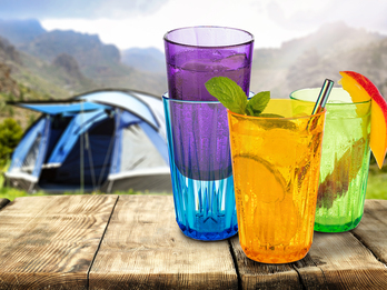 4-er Set Trinkbecher 300ml, unzerbrechliche Tritan Gläser in 4 Farben
