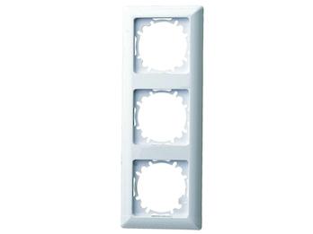 3-fach Rahmen / Schalterblende für den Innenbereich aus Kunststoff, in polarweiß