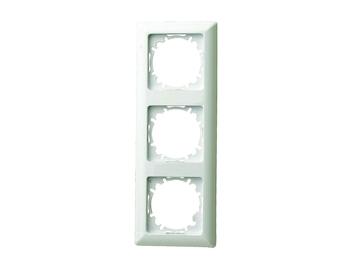 3-fach Rahmen / Schalterblende für den Innenbereich aus Kunststoff, in Cremeweiß