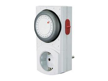Tageszeitschaltuhr  2-Polig Mechanisch, erhöhter Berührungsschutz